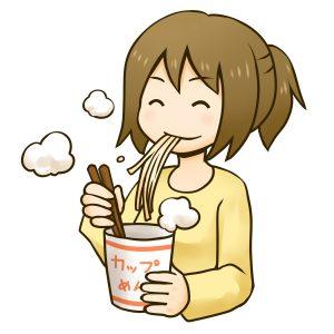 カップラーメンを食べる